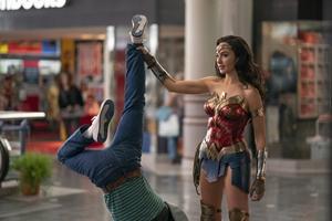 Wonder Woman 1984: The IMAX Experience Still 5